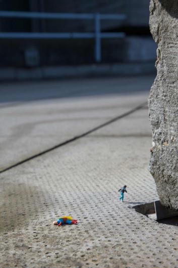 Slinkachu:Childhood Hero