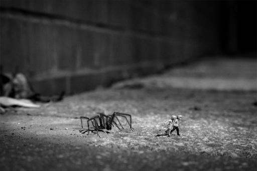 Slinkachu:Stranger Danger
